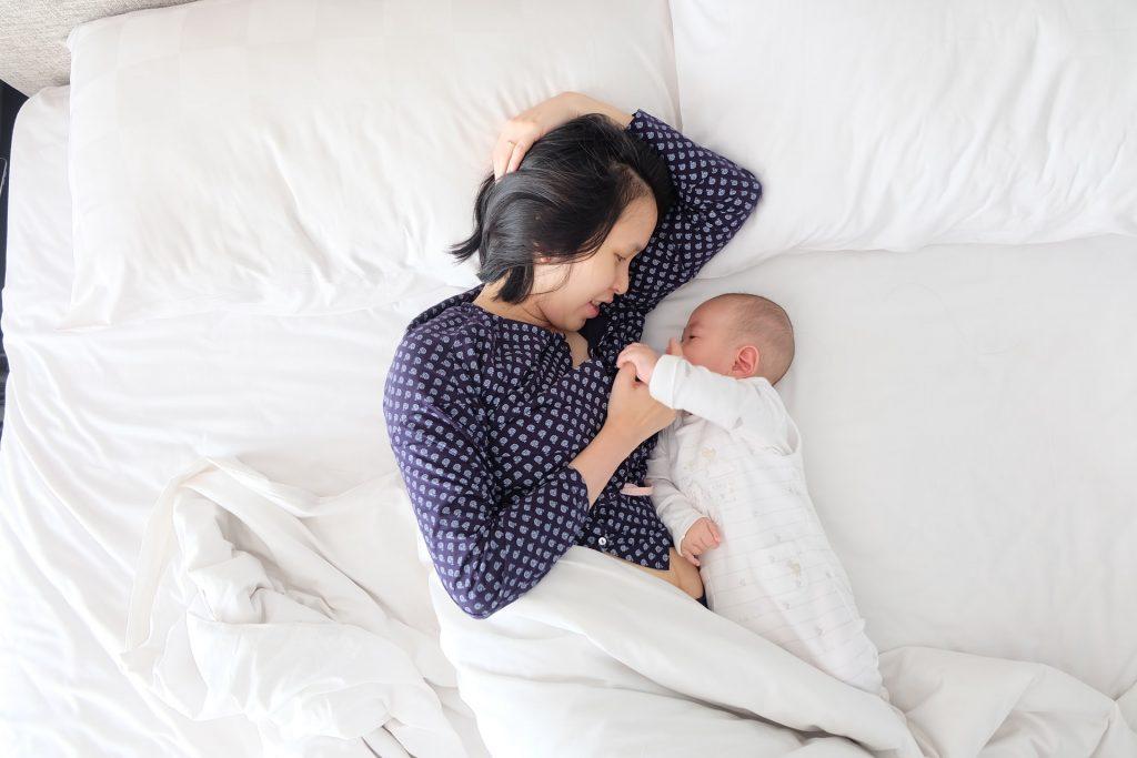 matrescenza mamma neonato letto